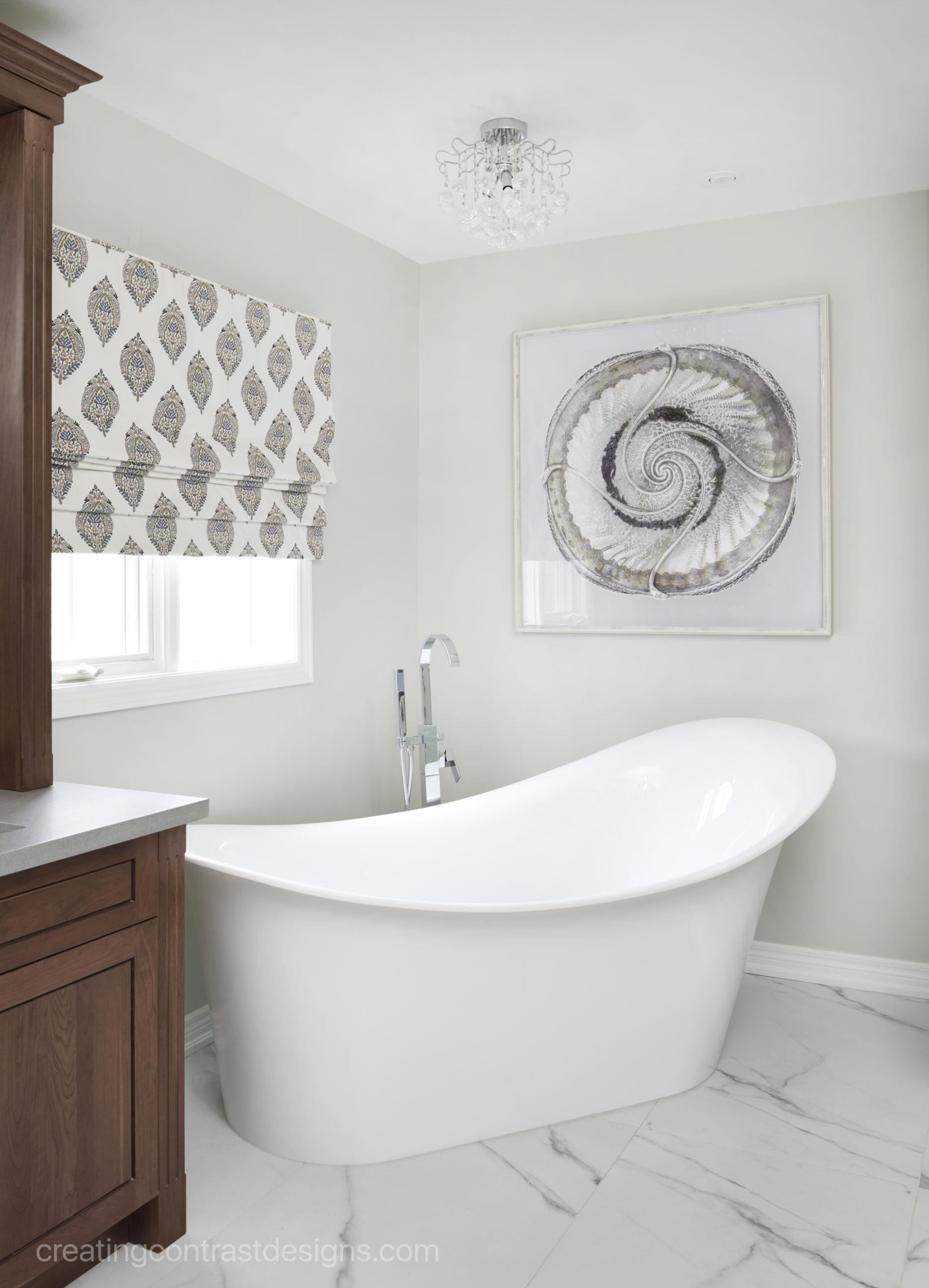 Ensuite bathroom in Gray Owl by Benjamin Moore