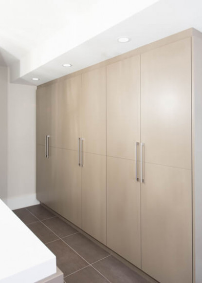 basement-bathroom-full-custom-cabinet-storage
