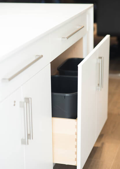 basement-island-with-pull-out-drawer