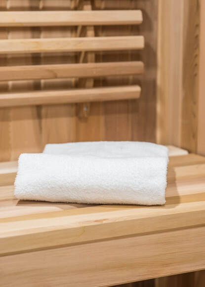 basment-sauna-with-towel