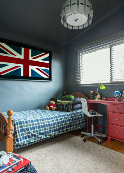 boys-bedroom-with-red-desk-and-ikea-white-office-chair-flint-by-benjamin-moore