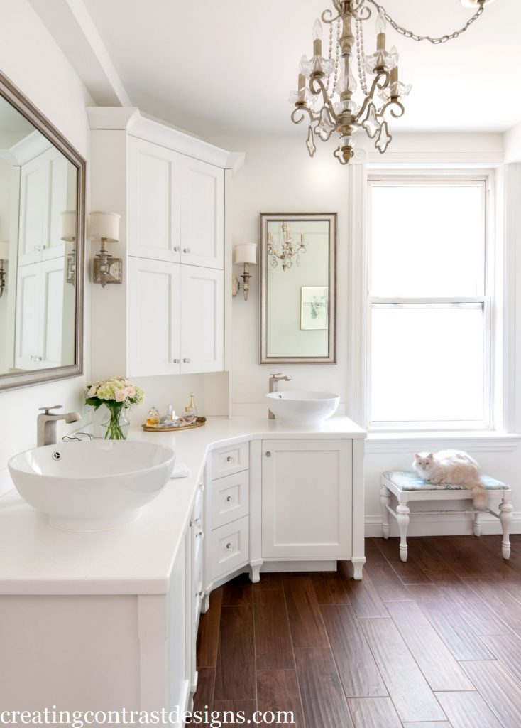 Toronto Client's bathroom painted Snowfall White by BM. Photo by Stephani Buchman.