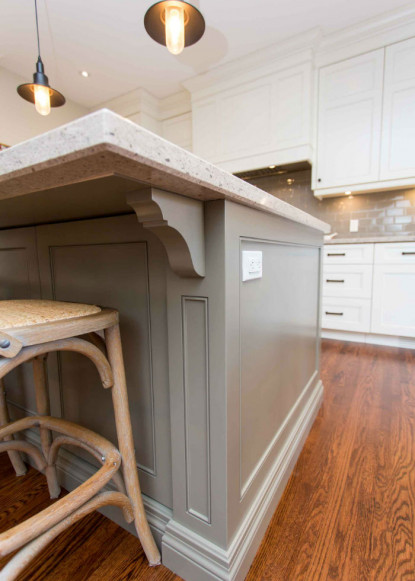 custom-island-in-traditional-kitchen-claire-jefford