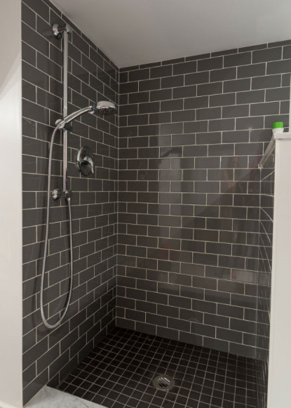 dark-subway-tiles-in-bathroom-shower-claire-jefford-design