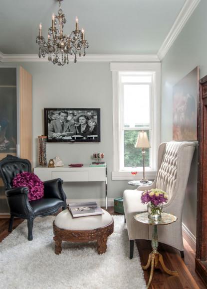 formal-sitting-room-with-armless-sofa-toronto-on