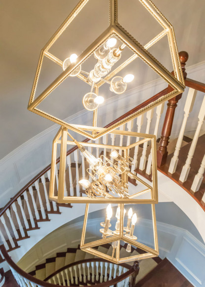 foyer-with-spiral-stairs-hamilton-on