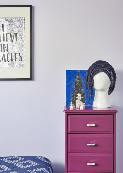girls-bedroom-design-art-wall