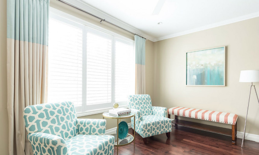 living-room-with-two-white-and-teal-side-chairs-ontario