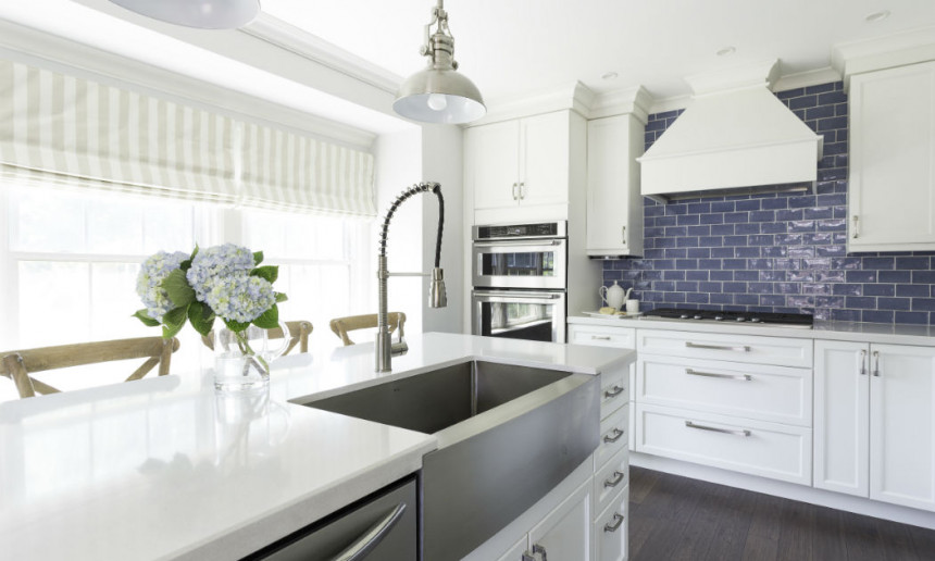 traditional-kitchen-with-white-custom-cabinetry-burlington-on-interior-design