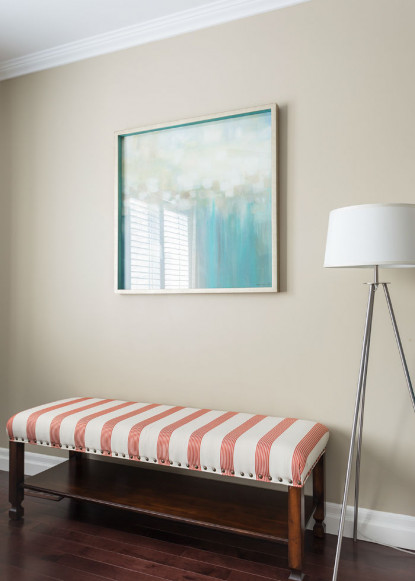 _bench-and-teal-artwork-ontario-interior-design