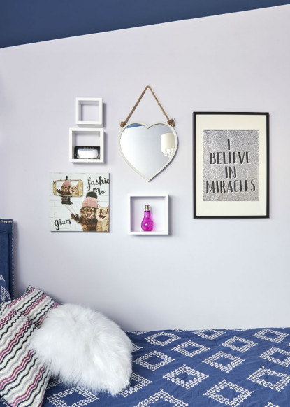 lavender-ice-art-gallery-wall-in-girls-bedroom-burlington-on