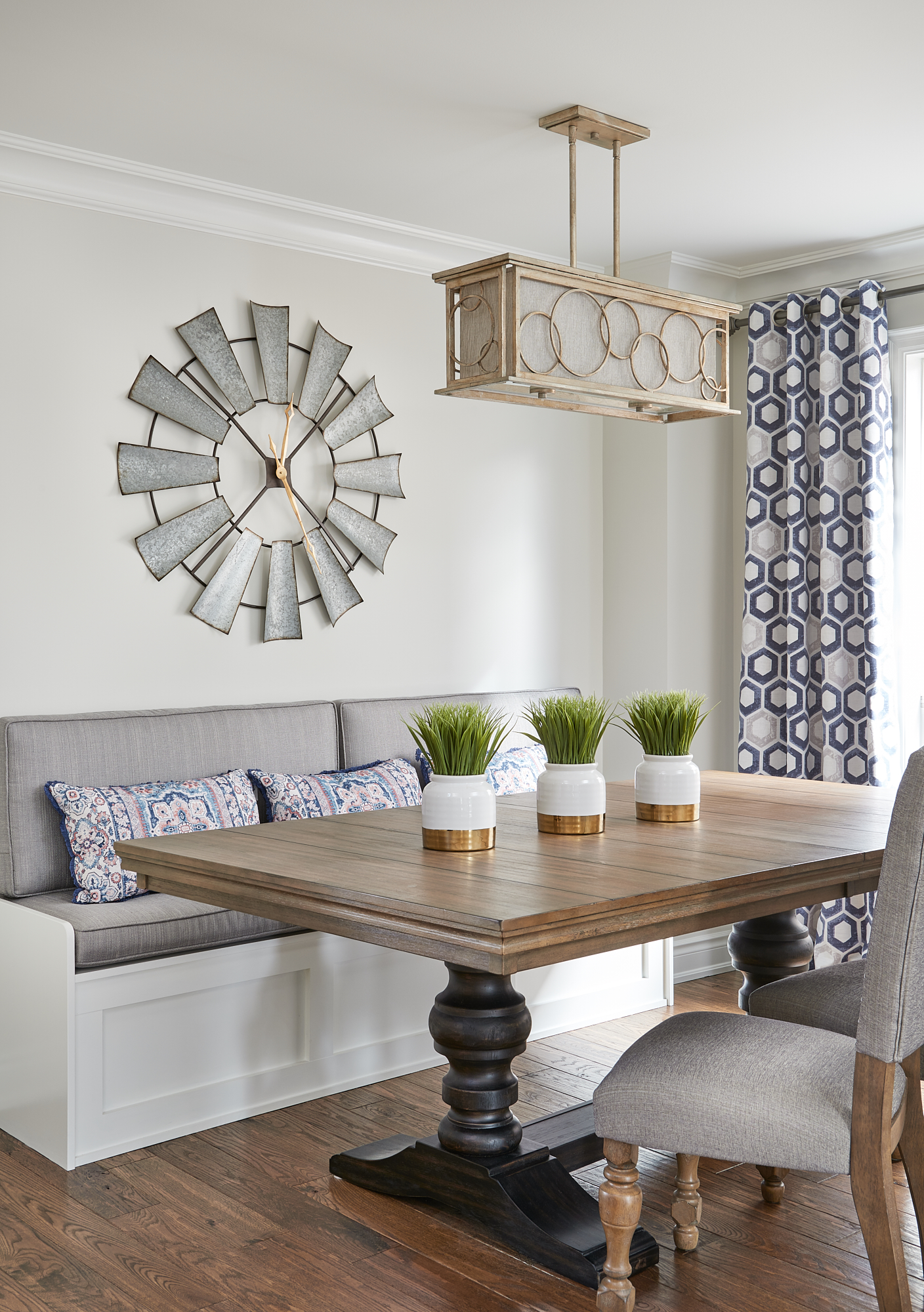 Dining Room Classic Gray walls, Oxford White bench seat.  Benjamin Moore.